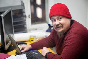 Mikko Kähkösen työn hermokeskus on Oulun Järjestötalolla. (Kuva: Tero Kaikko)